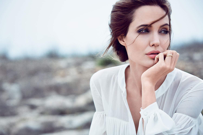 Мастэктомия не испортила жизнь великой Джоли