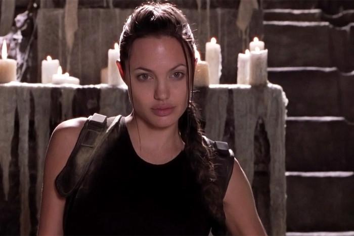 В 2001 году Лара Крофт в исполнении Джоли свела с ума весь мир