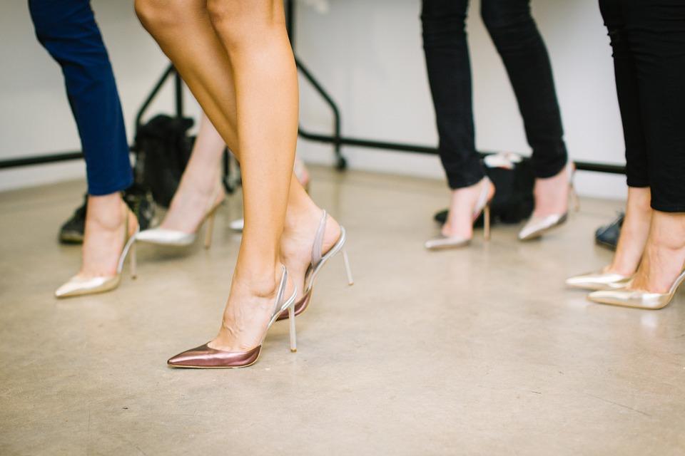 Женщины стали вкалывать ботокс в стопы, чтобы не уставать от каблуков