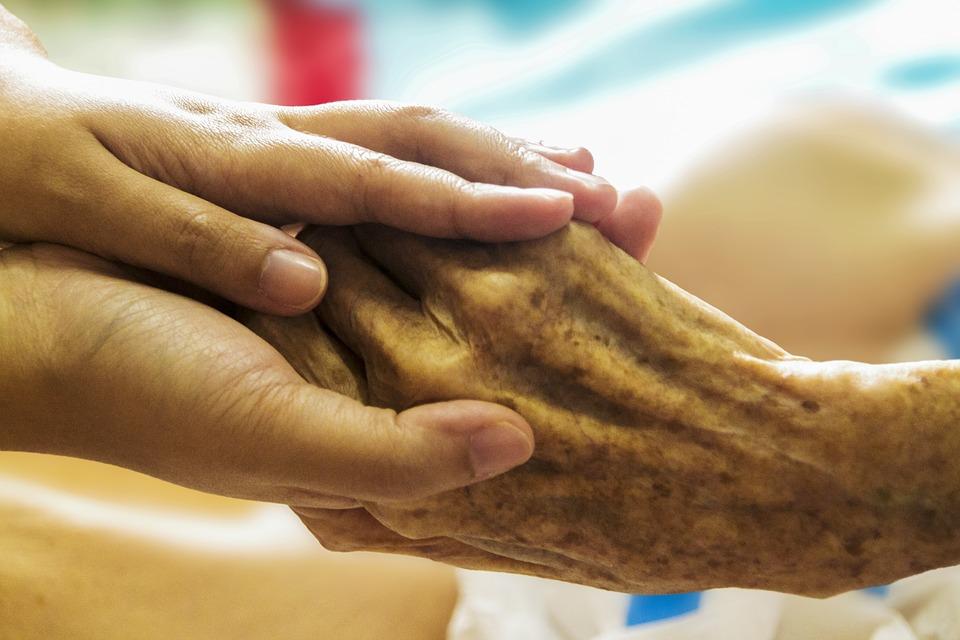 Российские врачи рассказали, как замедлить процесс старения