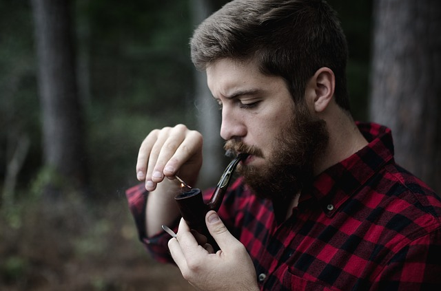 Англичане стали в два раза чаще делать пластику: в тренде пересадка бороды