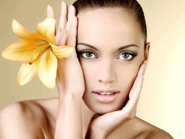 В салонах красоты начали использовать новые филлеры для щёк – Restylane Lift