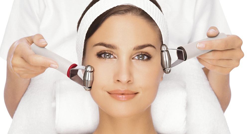 Косметологи представили список самых эффективных процедур, направленных на омоложение кожи