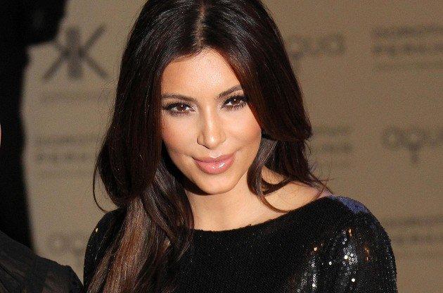 Ким Кардашьян намерена потратить на пластику более 100 тысяч долларов