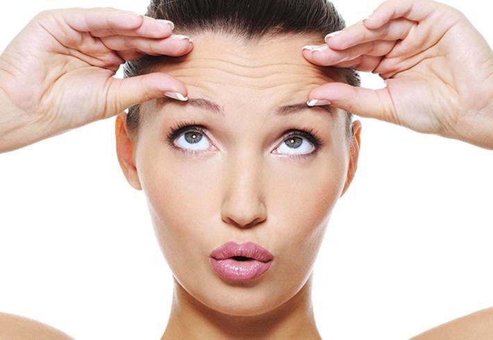 Ученые установили, что подтяжка лба поможет вылечить мигрень