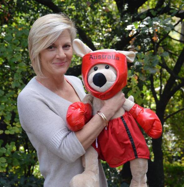 Грудные импланты спасли австралийку от атаки кенгуру