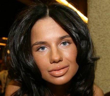 По объему губ Алексу сравнивали с Машей Малиновской