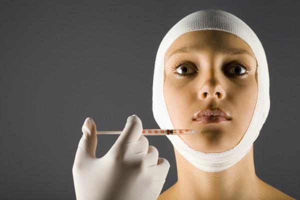 Американские врачи будут избавлять пациентов от двойного подбородка с помощью уколов