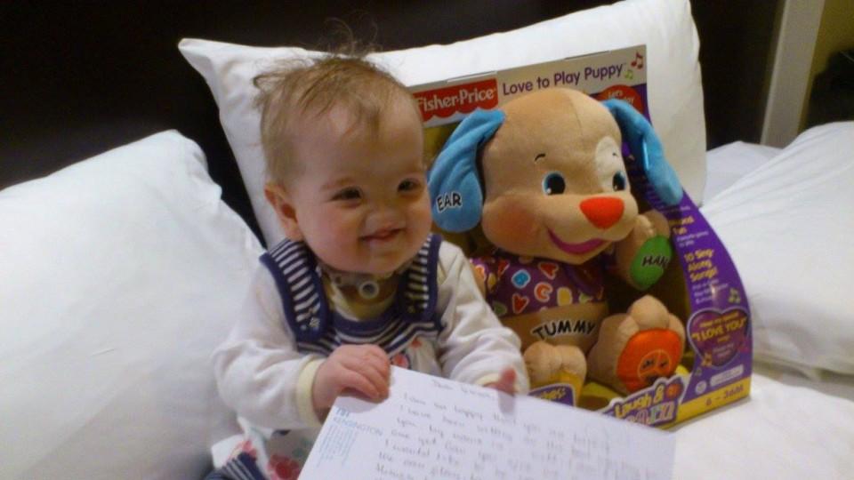 Пластические хирурги помогут девочке, которая родилась без носа